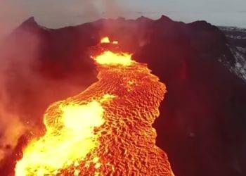 Untitled 34 350x250 - Col drone sopra una colata di lava