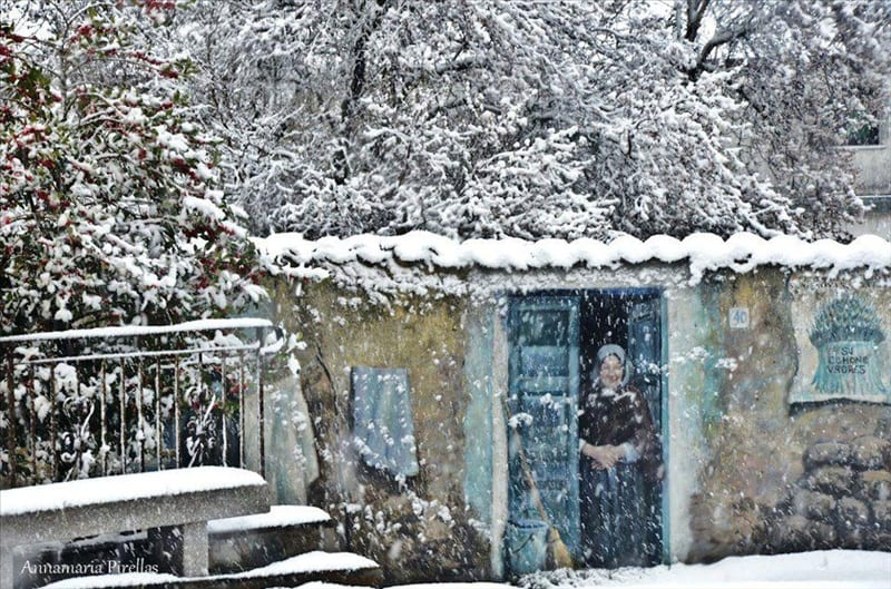10309 fonni  murales sotto la neve - La Sardegna sotto la neve, ricordi fotografici