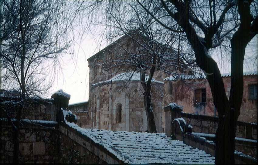basilica1 - La Sardegna sotto la neve, ricordi fotografici