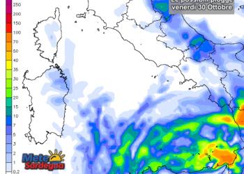 Domani, venerdì 30 Ottobre, potrebbero riaffacciarsi un po' di piogge a est.