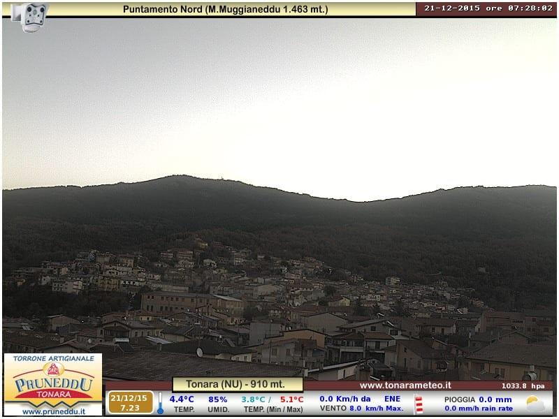 Nella foto scorcio di Tonara alle 7:28, credits tonarameteo.it