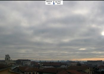 Il cielo su Villasor è ancora coperto da un tappeto di nubi basse. Fonte webcam villasormeteo.it