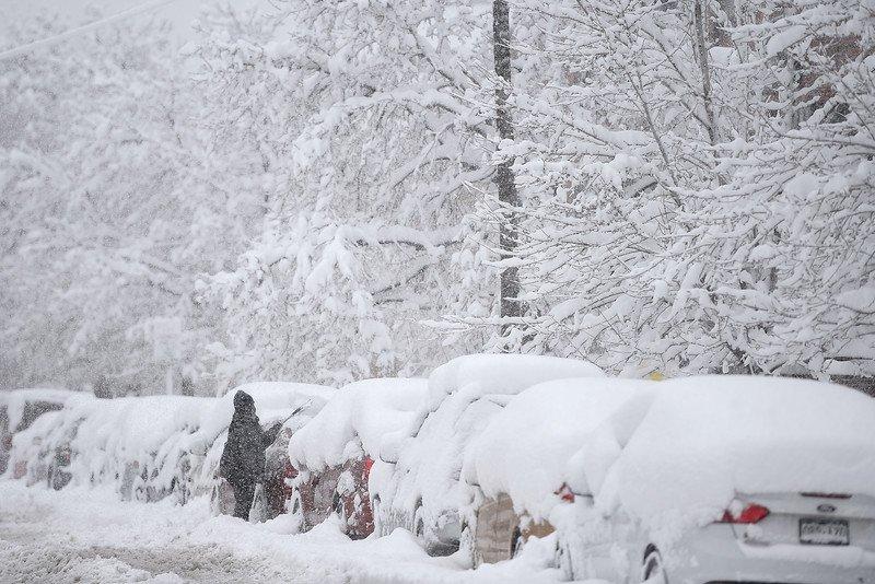 Blizzard Denver - Clima pazzo USA: in 24 ore dai 20°C di primavera a 30 cm di neve!