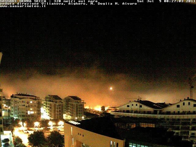 Nebbia delle prime ore della notte d'estate, è ben più rara, e si adagia nei quartieri periferici di sud ovest e verso Serra Secca.