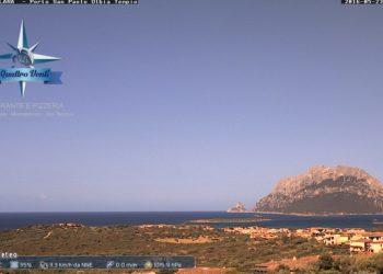 Guardate che splendida panoramica sull'isola di Tavolara. Fonte webcam meteolathuile.com