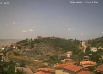 Nell'immagine ecco uno scorcio di Ozieri, dove la temperatura percepita è di circa 37°C. Fonte webcam ozierimeteo.altervista.org