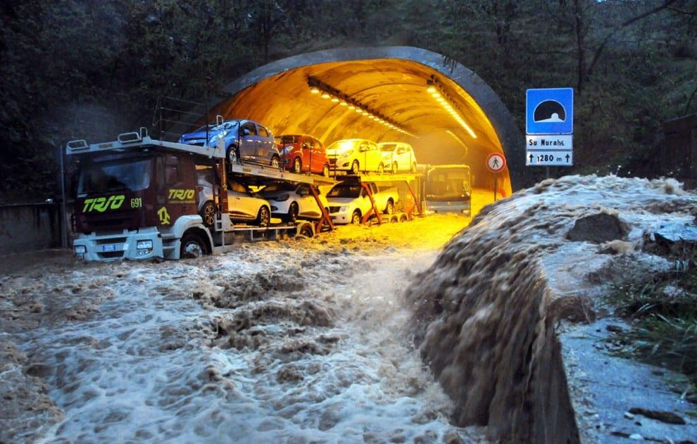 Alluvione in Sardegna di qualche anno fa, immagini di repertorio.