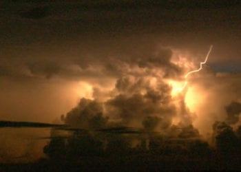 tempesta fulmini 350x250 - La tempesta di Scirocco, pioggia, temporali, grandine: video e immagini