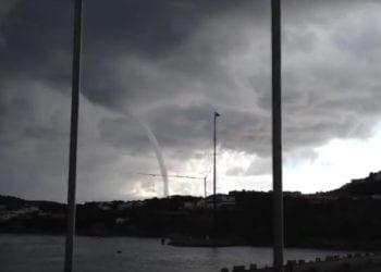 tromba daria a porto cervo 350x250 - La tempesta di Scirocco, pioggia, temporali, grandine: video e immagini