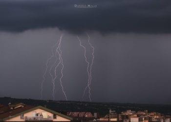 fulmini agosto 350x250 - Sciare in Sardegna, si può, anche in centro del paese a Fonni (VIDEO repertorio)