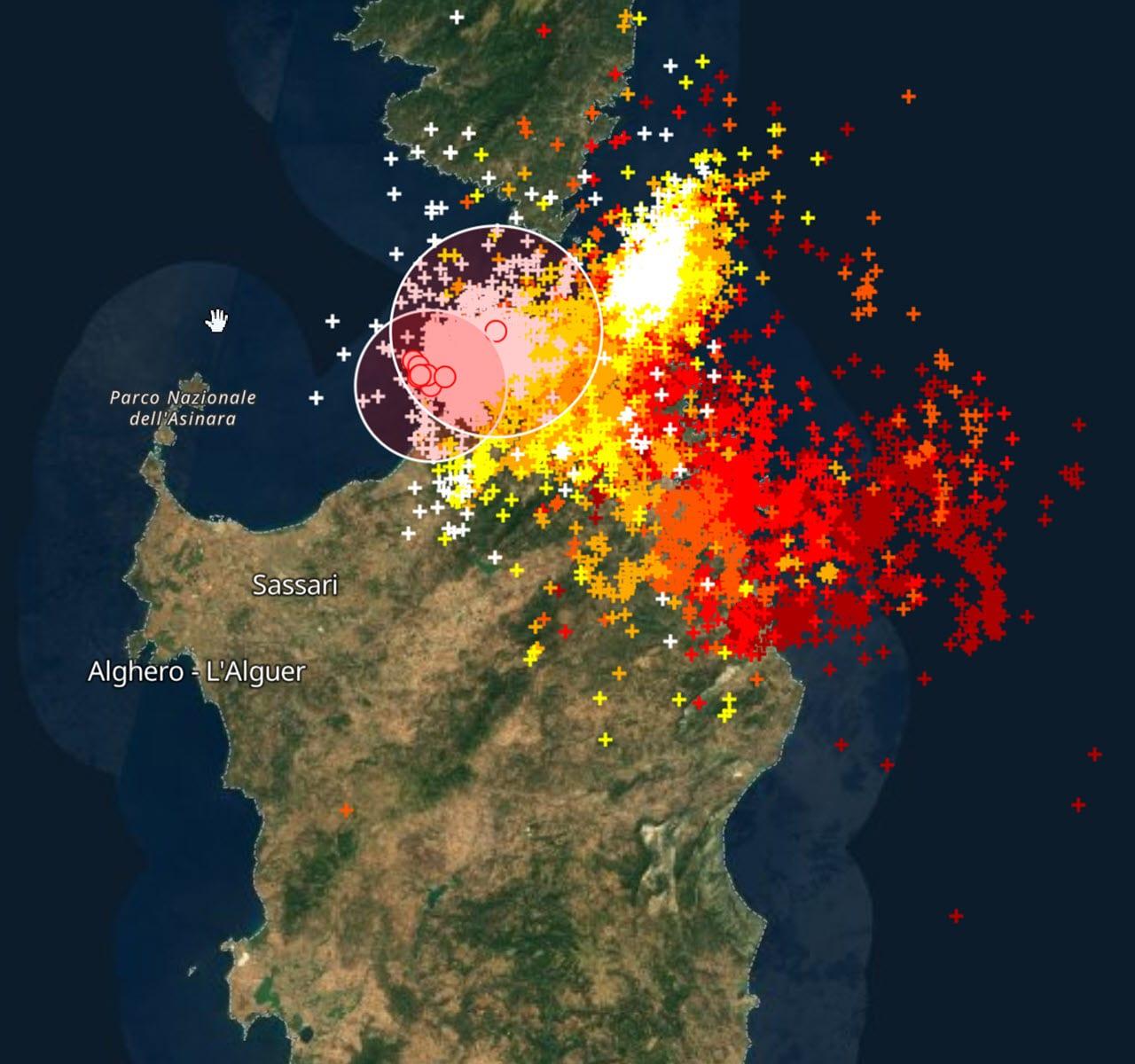 fulmini ultime due ore in sardegna - Gallura, La Maddalena, Orosei, Tortolì e Arbatax e non solo: temporali con meteo inclemente