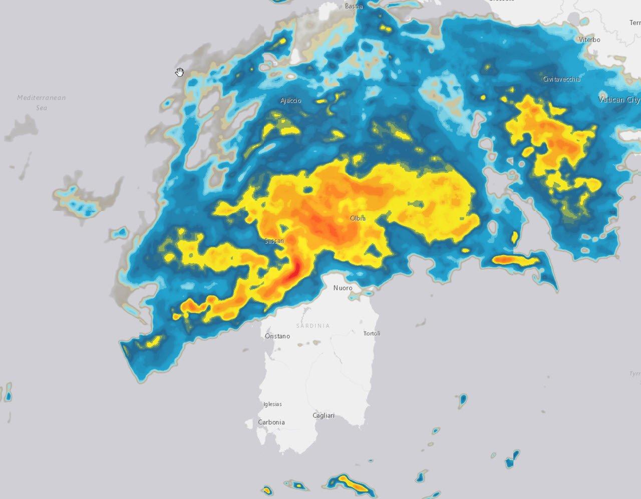 Radar meteo sulla Sardegna che mostra il maltempo che attualmente è nel nord regione.