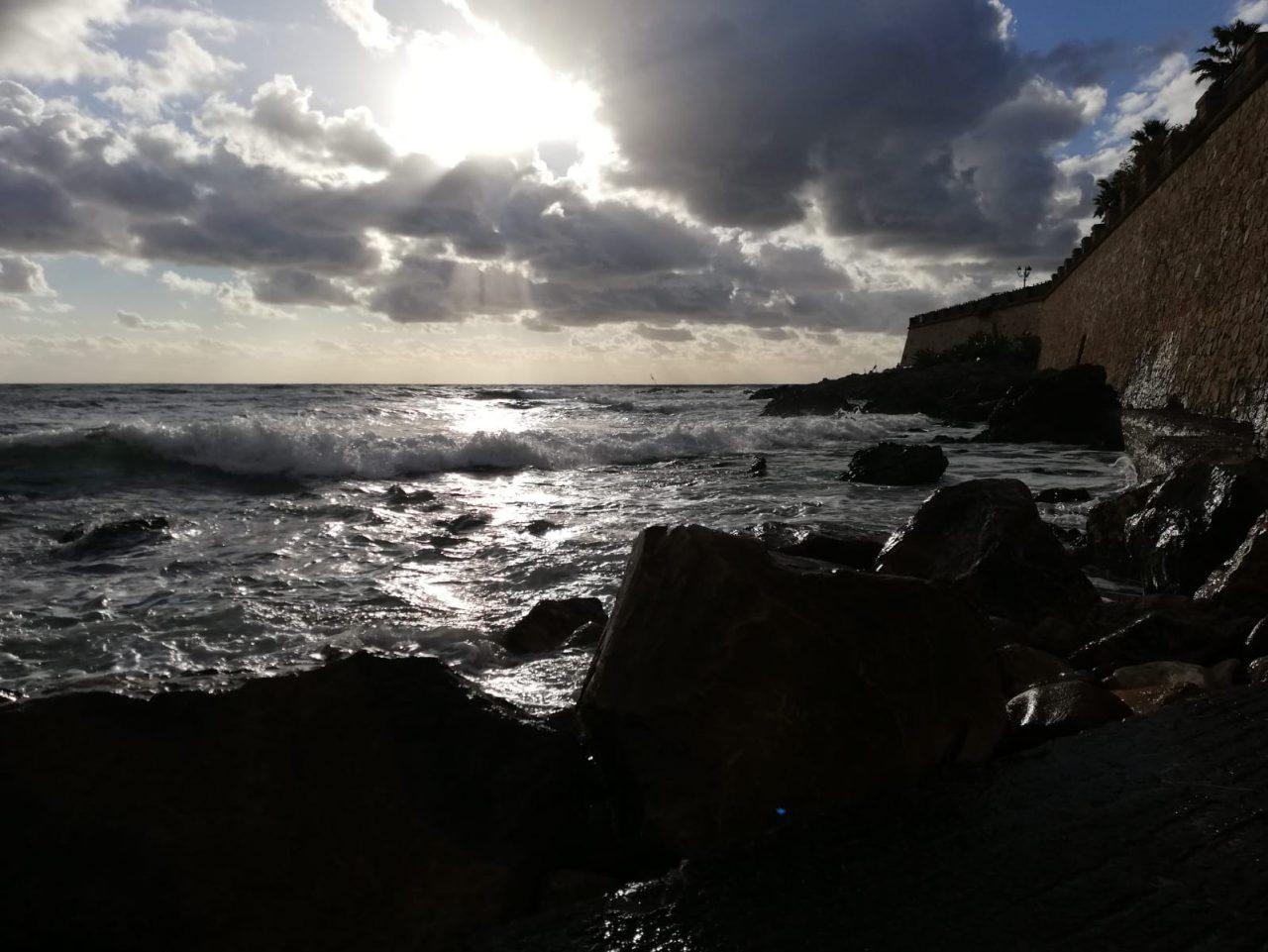 WhatsApp Image 2020 10 16 at 17.25.52 scaled - Alghero al tramonto saluta il brutto tempo. Galleria foto